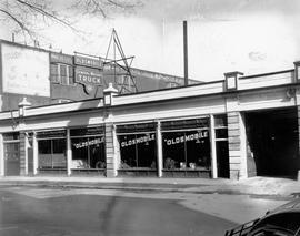 Oldsmobile showroom (John St. N., Hamilton, Ont.)
